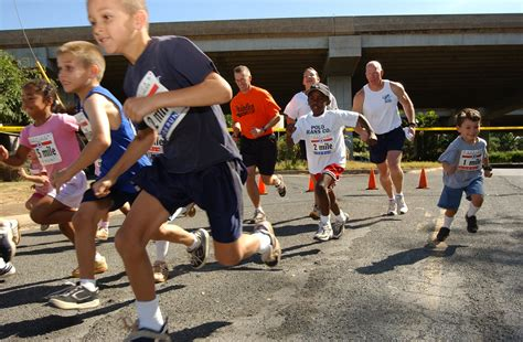 The American Run File Us Navy 030517 N 0106c 001 Dependents From Around Oahu Participate In The America