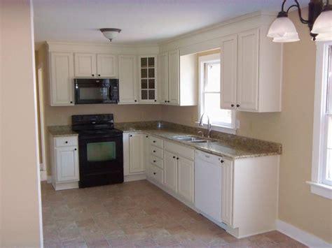 small  shaped kitchens ideas  pinterest