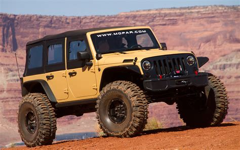 jeep safari 2013 jeep wrangler sand trooper ii front three quarters 202218
