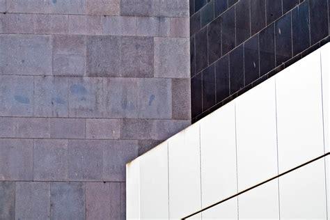 estructura de piedra en color blanco y negro fotograf 237 a de fotos gratis arquitectura estructura madera blanco