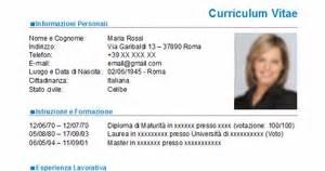 Curriculum Vitae Template Microsoft Word by Curriculum Vitae Nuovo Modello Cv Da Scaricare Gratis