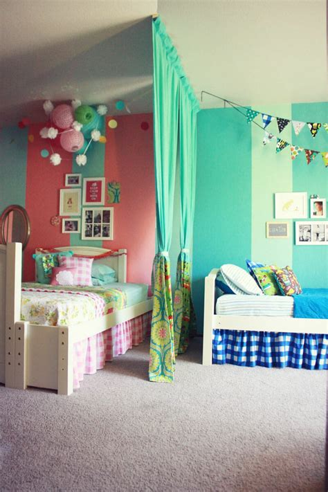 ideas to divide a bedroom 5 tips for making a shared bedroom work for your children