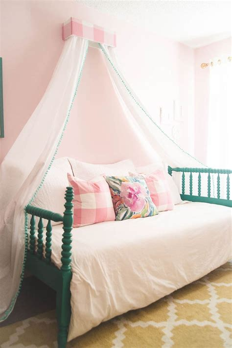 little girl bed canopy adorable little girl s room diy canopy pink walls and girls