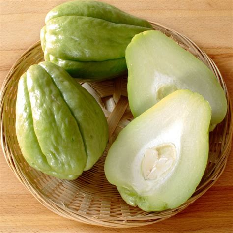 p fruits with seeds organic chayote mirliton pear squash sechium edule 2