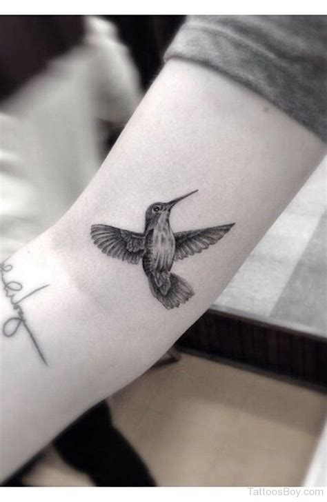 black and grey hummingbird tattoo hummingbird tattoos tattoo designs tattoo pictures