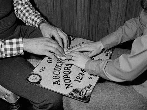 tavola sedute spiritiche tavola ouija sedute spiritiche cos 232 come si usa regole