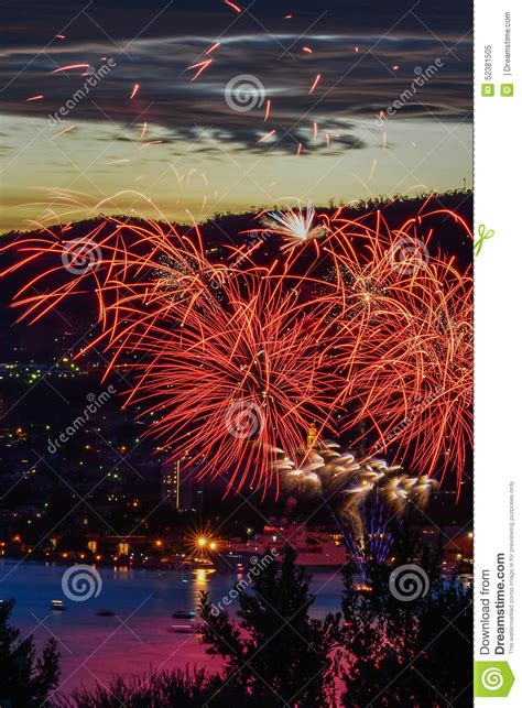 hobart new years hobart new years feuer bearbeitet 1 stockfoto bild