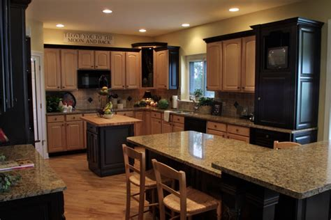 Black Appliances Kitchen Black And White Kitchen Decor Kitchen Cabinets With Black Appliances