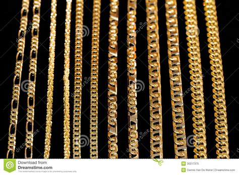 cadenas de plata cali cadenas de oro en negro imagen de archivo imagen de