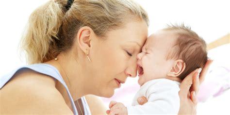 coliche neonati alimentazione mamma coliche neonato istruzioni per l uso roba da donne