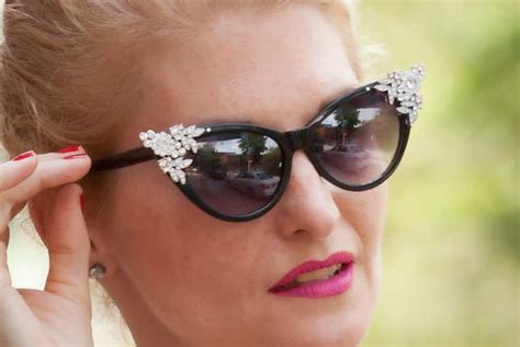 Get classy with your vintage shades   Lenskart Blog