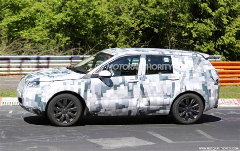 new land rover discovery 2016 2016 land rover discovery sport spy shots with interior
