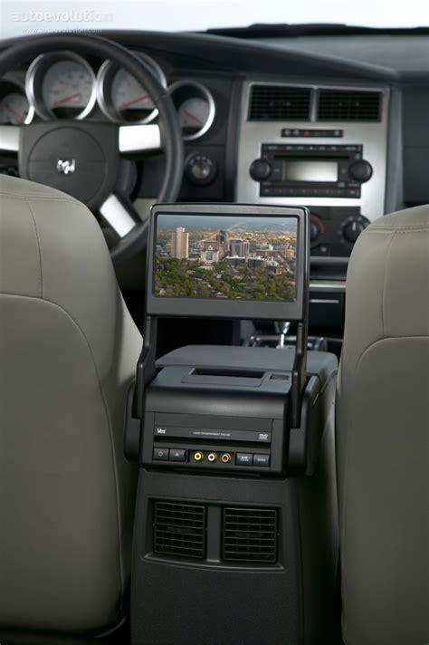 how make cars 2008 dodge magnum interior lighting dodge magnum specs 2004 2005 2006 2007 autoevolution