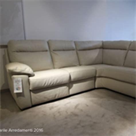 divani relax offerte prezzi divani con movimento relax in offerta