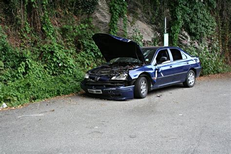 Auto Kaputt by File Car At The Stop Broken Geograph Org Uk
