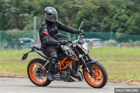 Ktm Duke 250 Price Review 2016 Ktm Duke 250 And Rc250 Handling And