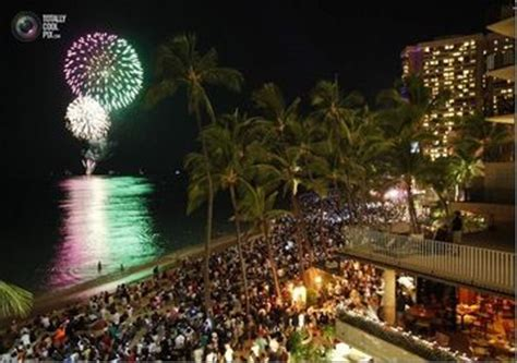new year parade waikiki free vip tickets for tiki drop 2013 waikiki nye
