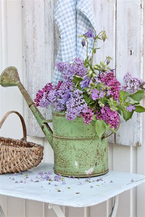 idea fiori 18 awesome rustic country wedding ideas to use watering cans