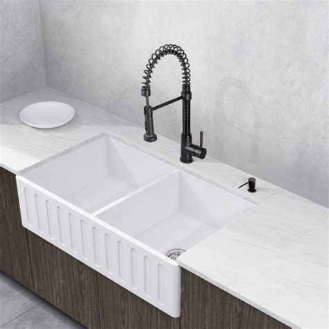 matte farmhouse sink vigo all in one 33 quot matte bowl farmhouse sink