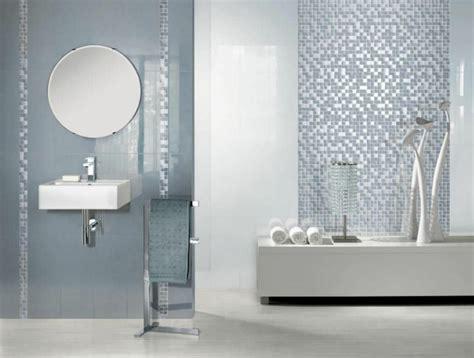 wand mit spiegel gestalten badezimmer mit mosaik gestalten 48 ideen