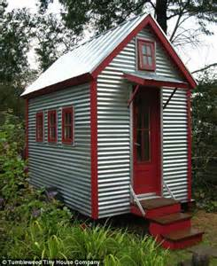 tumbleweed tiny house company cost u s homes shrink at fastest rate since records began as