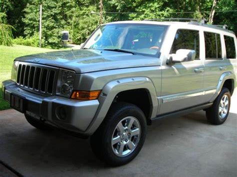 jeep commander silver lifted buy used 2007 jeep commander overland 4wd hemi lifted in