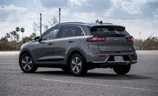 2017 kia niro hybrid test review the quicker