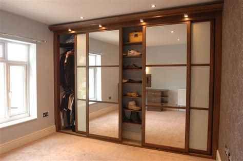 Mirrored Sliding Closet Doors For Bedrooms Mirror Wardrobes For Bedroom Designs