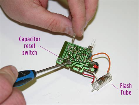 capacitor in disposable flash make an rifle prop with flash effect make