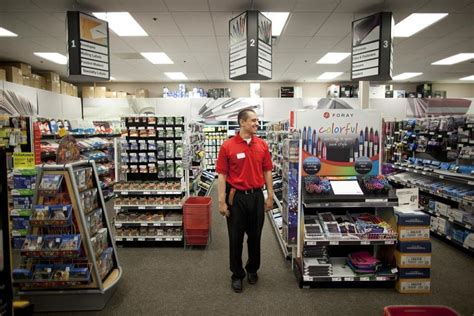 after merger with office depot dies staples shareholders