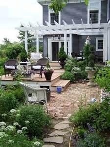 like the raised deck patio home garden