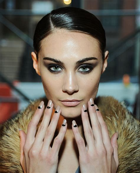 half trend la perla s half moon manicure from the grammys to nyfw