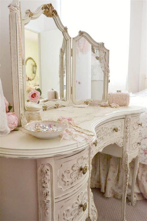 shabby chic bedroom vanity home decor so shabby pinterest shabby vanities