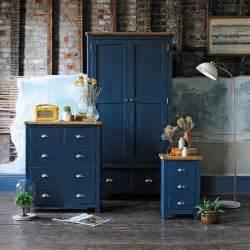 Painted Oak Bedroom Furniture 25 Best Ideas About Oak Bedroom Furniture On Painting Oak Furniture Chalk Paint