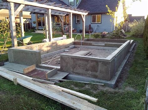 Garden Shed Foundations by 62 Best Images About How To Build The Foundation On A Shed Concrete Slab And Sheds