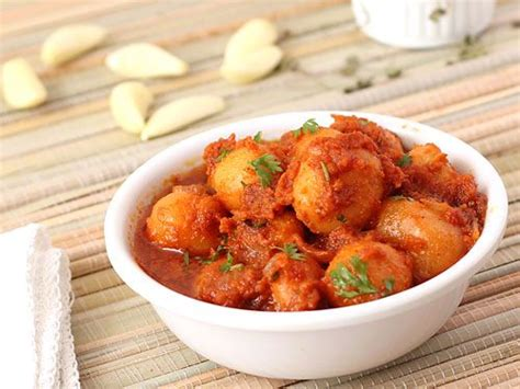 hot chips baroda baby potatoes spicy and easy indian curries on pinterest