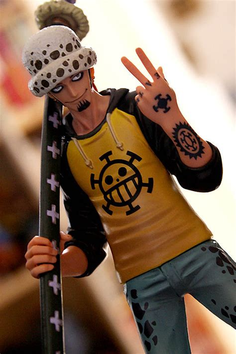trafalgar law tattoo trafalgar www imgkid the image