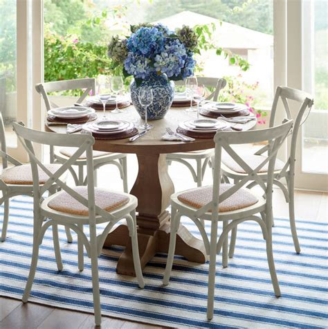 hamptons dining table   dining table decor