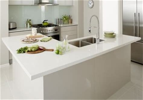 small l shaped kitchen with island bench shape the o jays and white tops on