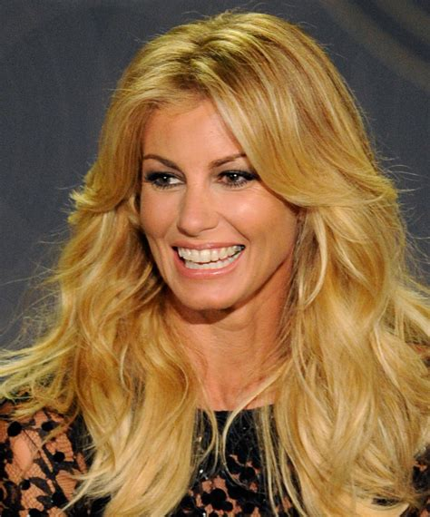 country singer with hair faith hill wore her shiny blonde hair down tim mcgraw