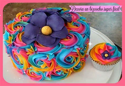 decoracion facil para cupcakes como decorar un bizcocho pastel y cupcakes f 225 cil con