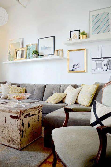 wanddesign wohnzimmer ideen wandgestaltung wandregale bilderleisten wohnzimmer