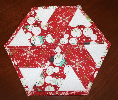 you have to see christmas peppermint table runner by