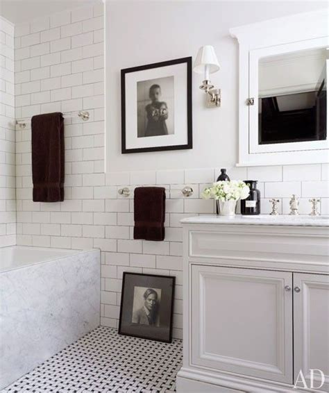 White Bathroom by Get The Look Black White Bathroom Diy Decorator