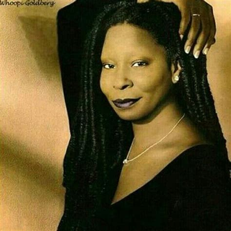why did whoopie goldberg shave the side of her head whoopi goldbergs shaved hair newhairstylesformen2014 com