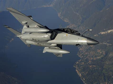 M Fa the aviationist 187 alenia aermacchi m 346 selected as air force s future advanced jet trainer