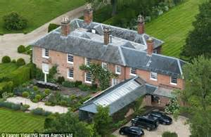 bucklebury berkshire royal baby prince cambridge s home from kate middleton s