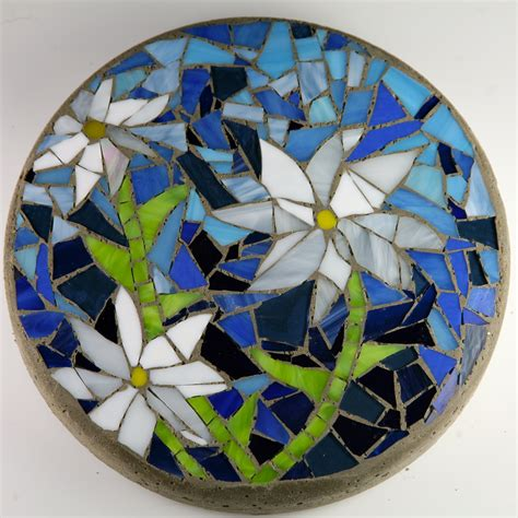 pattern for mosaic stepping stones mosaic stepping stones christine kenneally mosaic artist