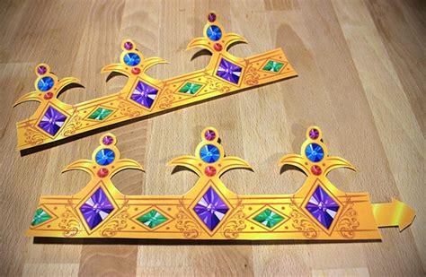 crown craft gonzales la activit 233 s manuelles les couronnes royales fr hellokids com