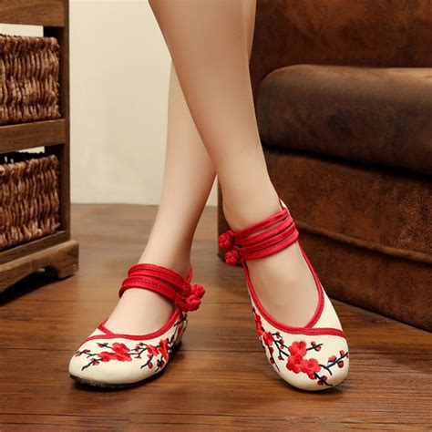 Bartier Glosy Flat Shoes 36 40 China flat shoe collection embroidery floral national wind